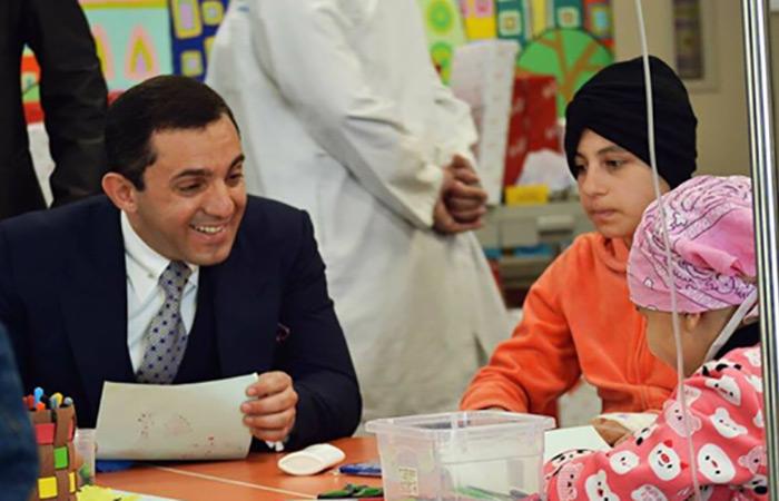 Dr. Al-Jibouri & Family Visit KHCC's Pediatric Patients